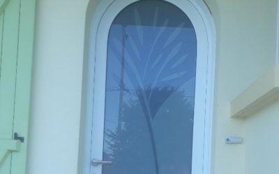 Pose d'une porte d'entrée au Pellerin (44640)